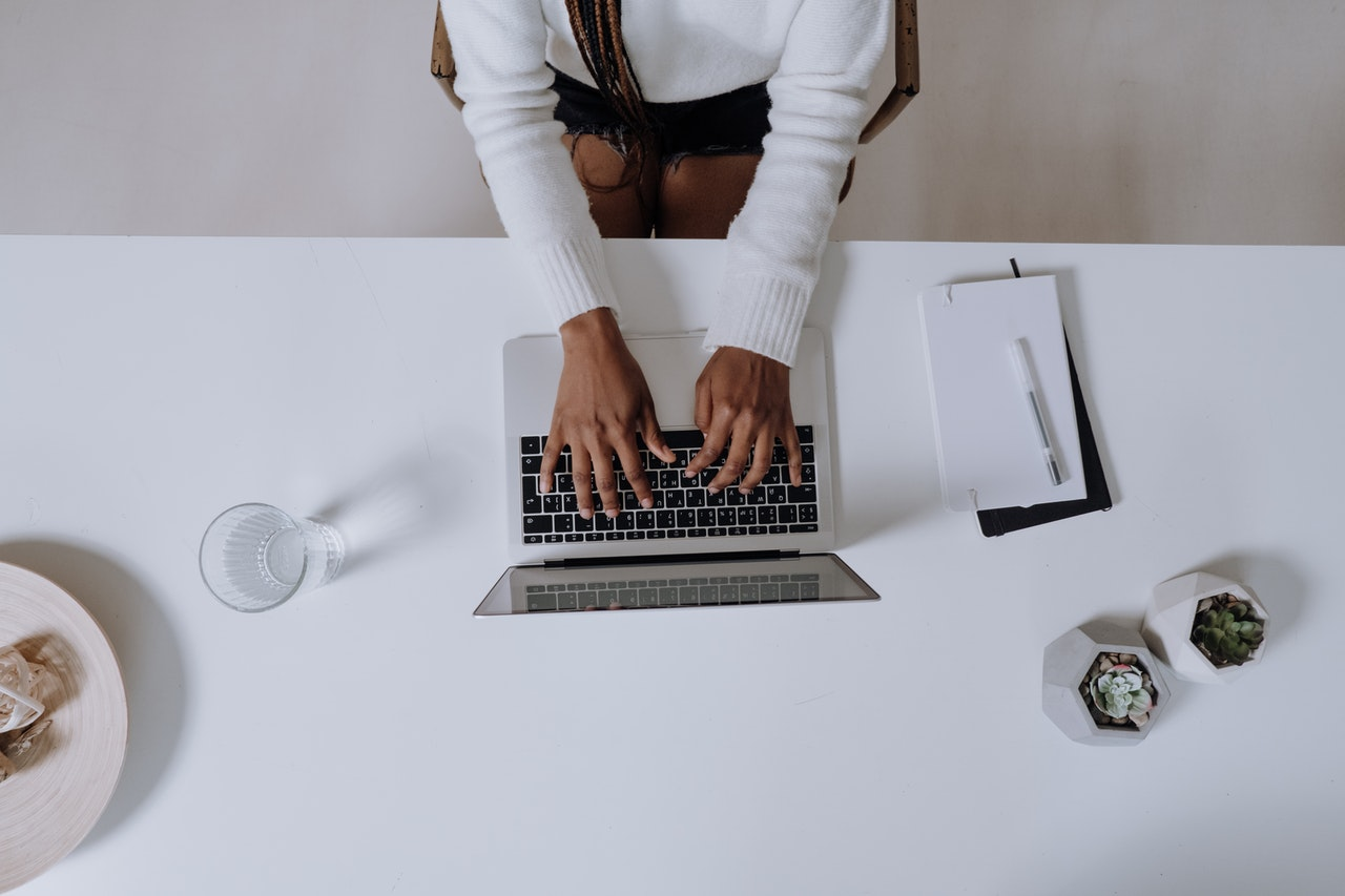 Essential Marketers Guide to Successful Guest Blogging